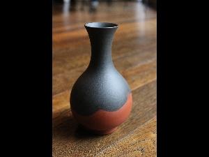 Mumyoi Vase-Tokkuri by Ito Seiksui