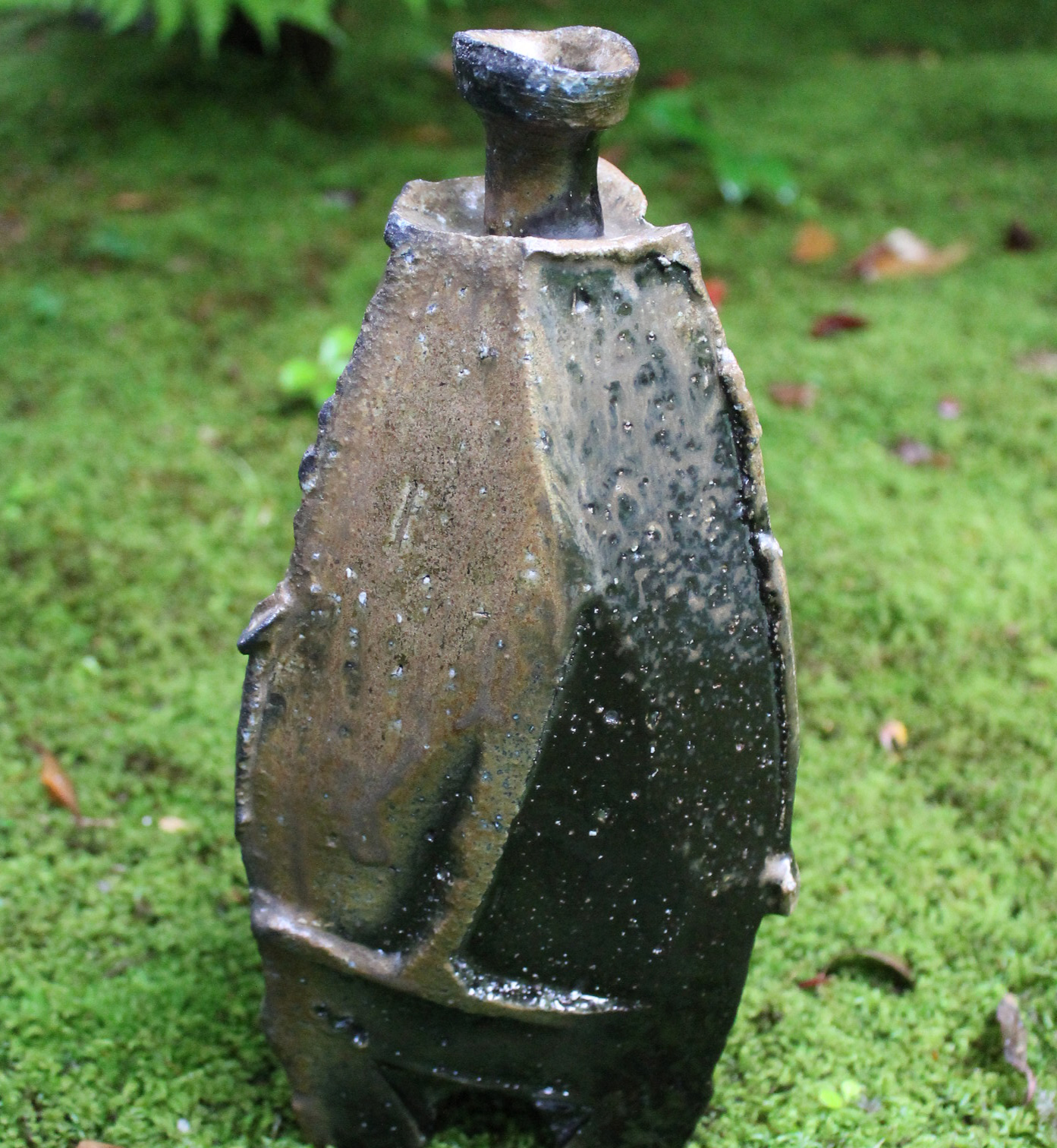 Tall Black-Bizen Vase-Vessel by Kakurezaki Ryuichi–Others